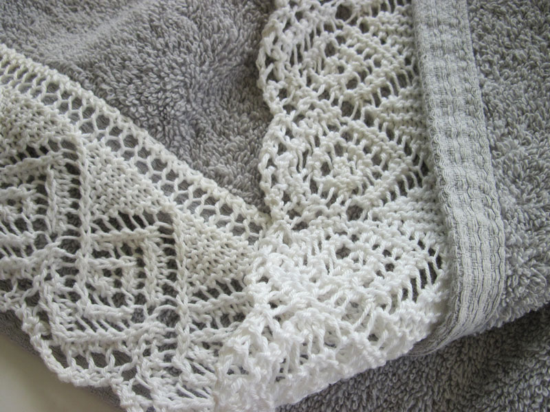 Knitted Lace Edging Patterns : Embroidery, edging & embellishments on knitting on Pinterest Knitted Fl...