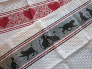 KnitHeartStrings Giveaway for January 2014 - Hearts and Cats at Play towels