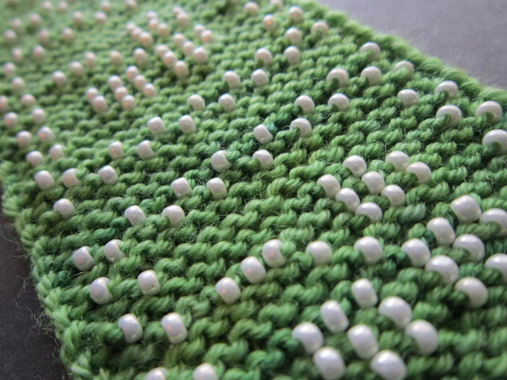 Knitting Stitches With Beads : I Hate to Purl and more about Beaded Garter Stitch Knit HeartStrings Learn-...