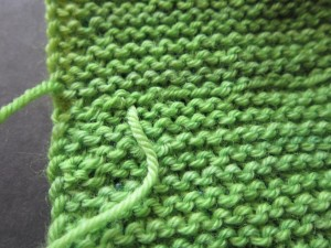 Invisible seam on wrong side of garter stitch - weave ends in invisibly